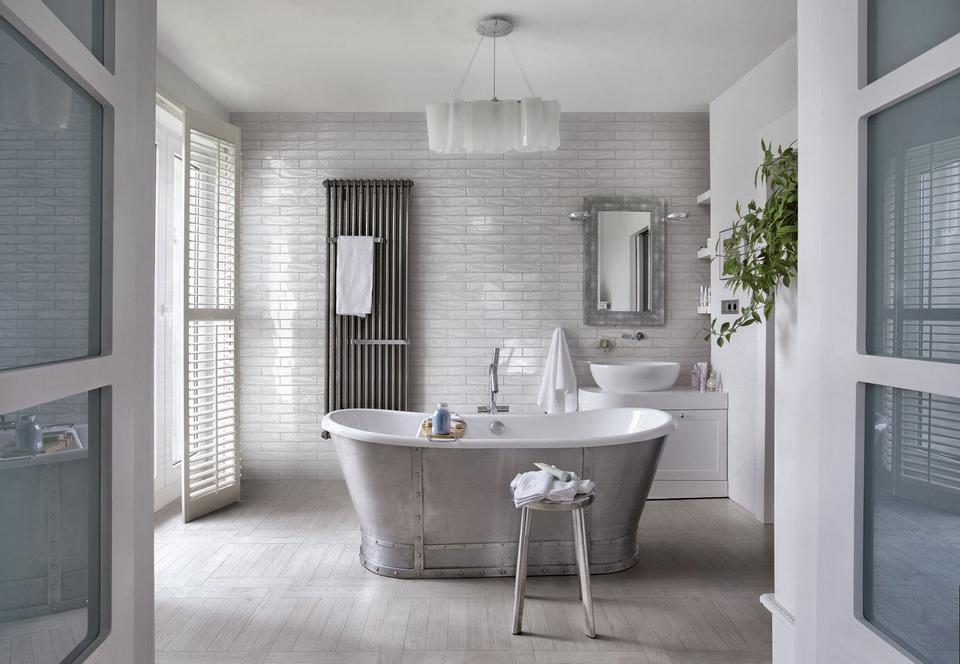 which tiles are best for bathroom walls