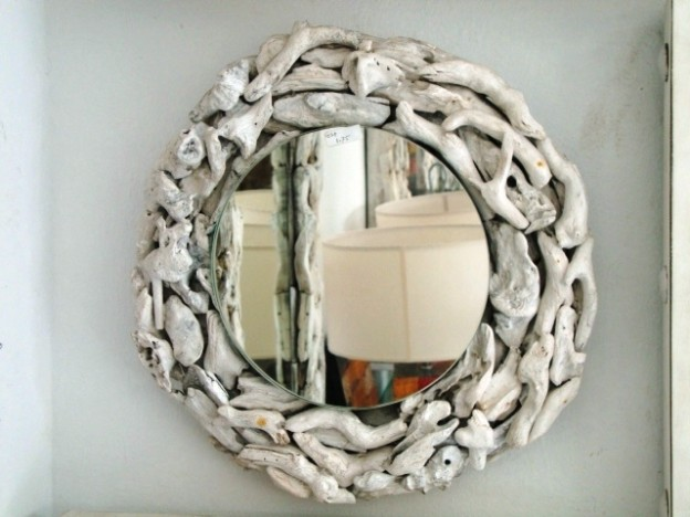 trim for mirrors in bathroom