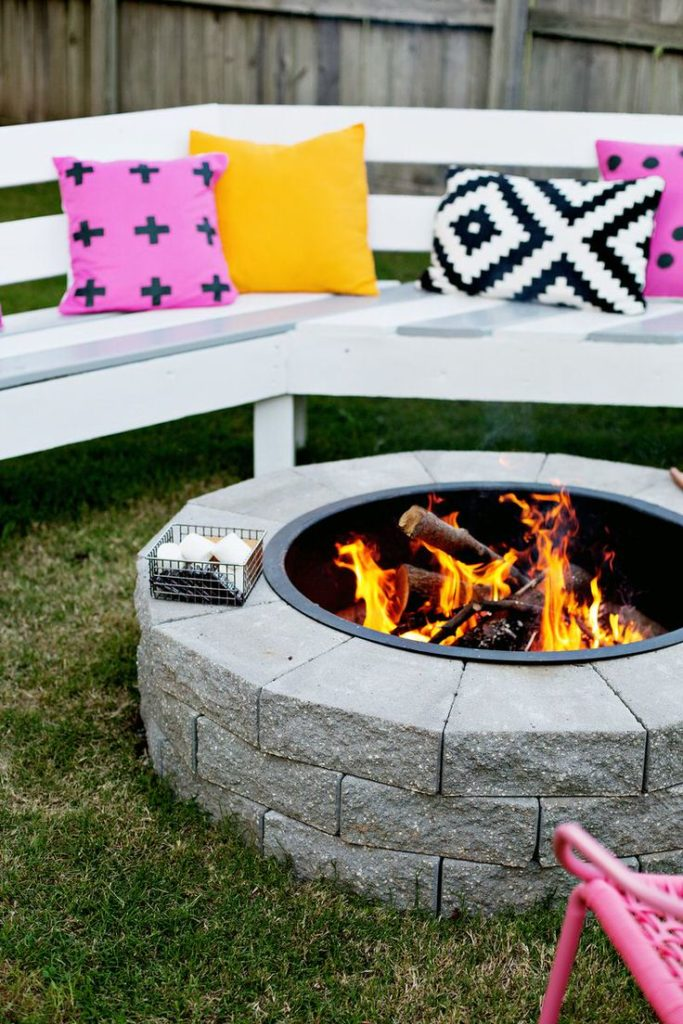 2. Make your own fireplace to have a good time with the family
