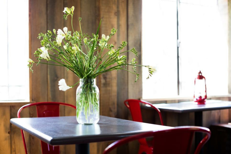 rustic-diy-center-restaurant-red-chairs