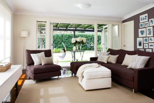 white-and-brown-color-room