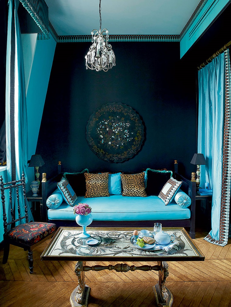 ideas-to-decorate-wall-living-room-dark-colors