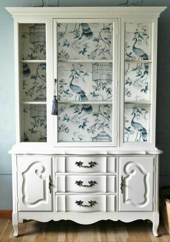 paint_old_furniture_with_painted_paper